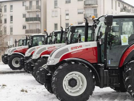 Új erőgépeken gyakorolhatnak a jövő gazdái