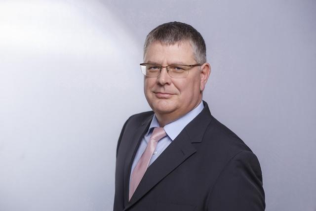 Harsányi Zsolt, AXIÁL Kft.