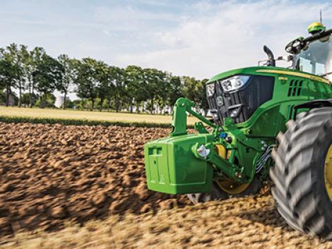Új John Deere 6155M traktor kihagyhatatlan akcióban!