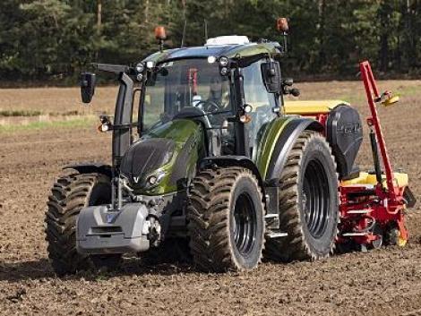 Ez a traktor mindenre befogható – az év traktora: Valtra G széria