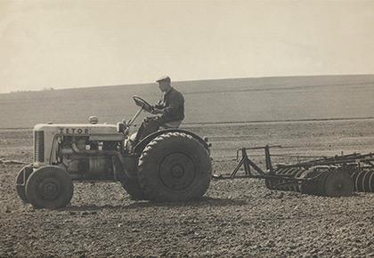 Zetor traktor