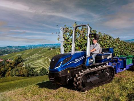 Elképesztő bejelentés: New Holland metán traktorokkal készülnek az első zéró károsanyag-kibocsátású szüretre!