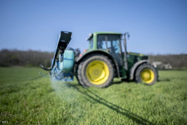 Az Európai Bizottság visszavonja a mankoceb hatóanyagú növényvédő szereket.