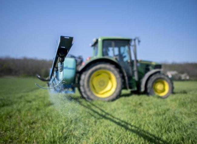 Döntött az Európai Bizottság: bevonják a mankoceb hatóanyagú növényvédő szereket
