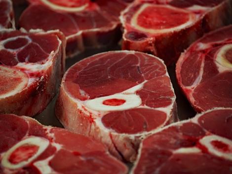 Ezt okozza a rendszeres húsfogyasztás