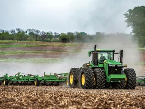 Megújulás a John Deere-csúcskategóriában: még több teljesítmény, extrakomfort és agrár 4.0-megoldások