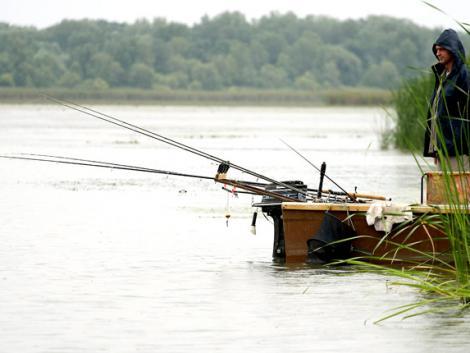 Lesz-e horgászati tilalom a kéthetes lezárás alatt?