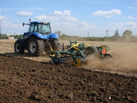 Mi a véleményed az agrárpályázatokról? Az Agroinform felmérésében őszintén elmondhatod!