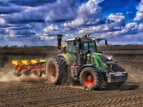 Sorra hagynak fel a termeléssel a magyar gazdák – ez áll a háttérben