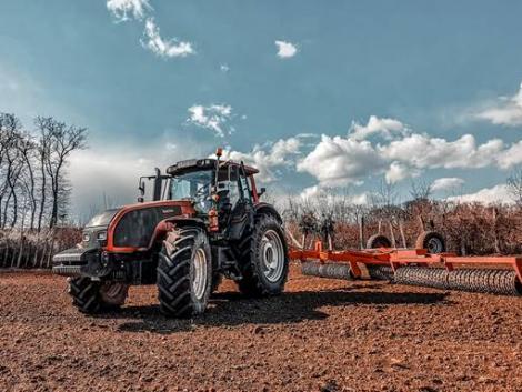 Vesztébe rohan a mezőgazdaság? Kiürülnek a talajaink