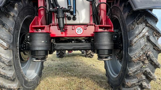 Traktor gumiabroncs permetezőgép
