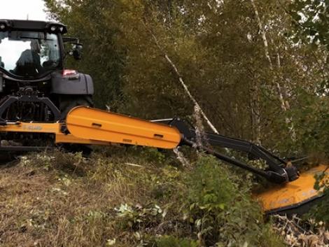 Ne veszítsen területet! Tisztítsa meg földjét rézsűzúzó géppel! – VIDEÓ
