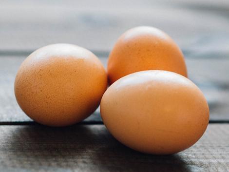 Ilyen egyszerűen csökkenthető a tojássárga koleszterinszintje?