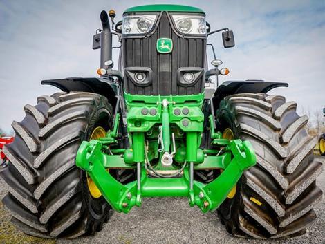 """Hogyan és miért vásárolhat """"Áfa-mentesen"""" John Deere traktort?"""