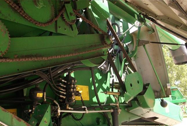 Lánchajtás és hidraulikai vezetékek ellenőrzés