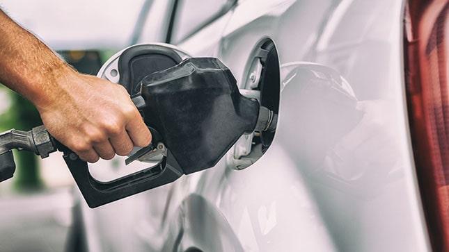 üzemanyag töltés