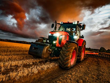 Látványos videósorozat mutatja be a Kubota legnagyobb traktorait!