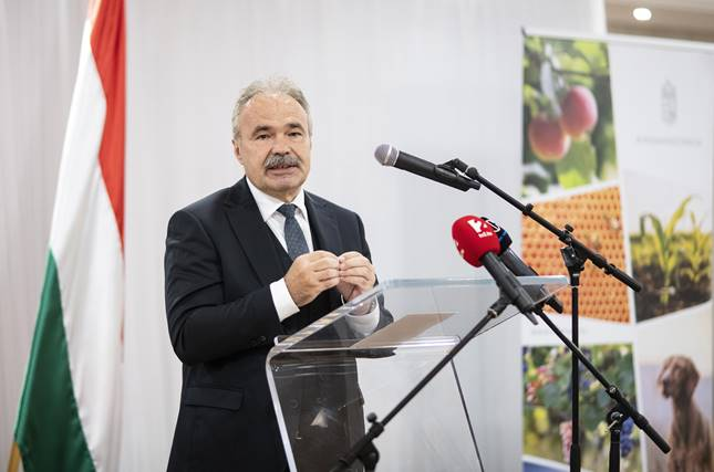miniszter
