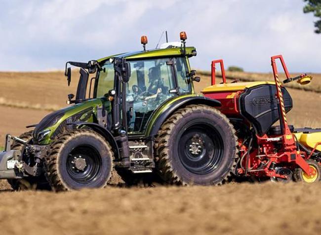 Digitalizálnád a gazdaságod, de nem tudod, milyen traktort válassz? Segítünk! – Videó