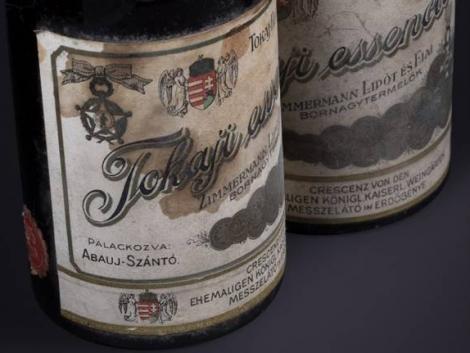 Két rendkívül különleges, 132 éves tokaji bor kerül kalapács alá