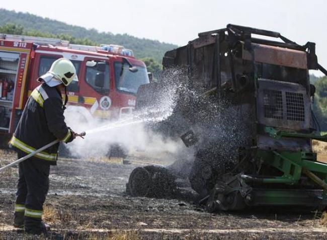 Így előzhetők meg a mezőgazdasági tűzesetek – ezeket kell tudnod mielőtt beülsz a gépbe!