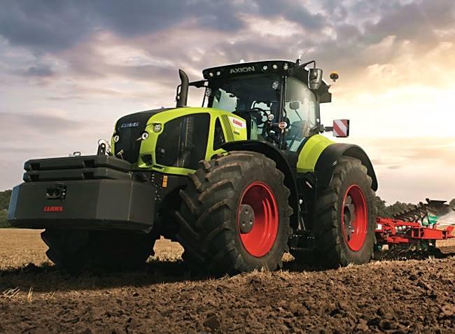 Bikaerős traktor, ami mindent elhúz!