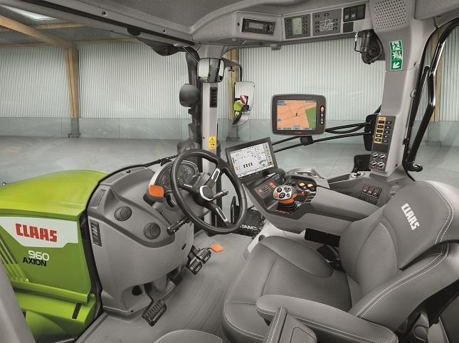 traktor vezetőfülke belső nézetből