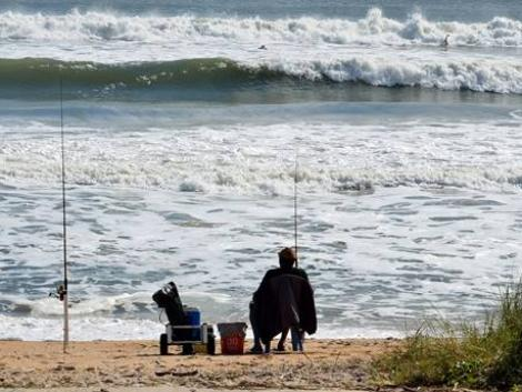 Hatalmas bírság járhat a tengerparton horgászó magyaroknak – így kerülheted el