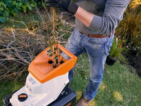 Így hasznosítsd profi módon a kerti zöldhulladékot!