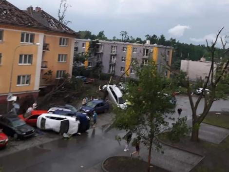 Elképesztő károkat okozott a vihar, ami hamarosan hozzánk is megérkezhet - VIDEÓ