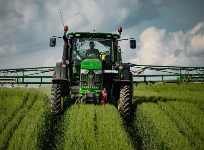 Komoly kihívás előtt állnak a gazdák a növényvédő szerek kötelező csökkentése miatt