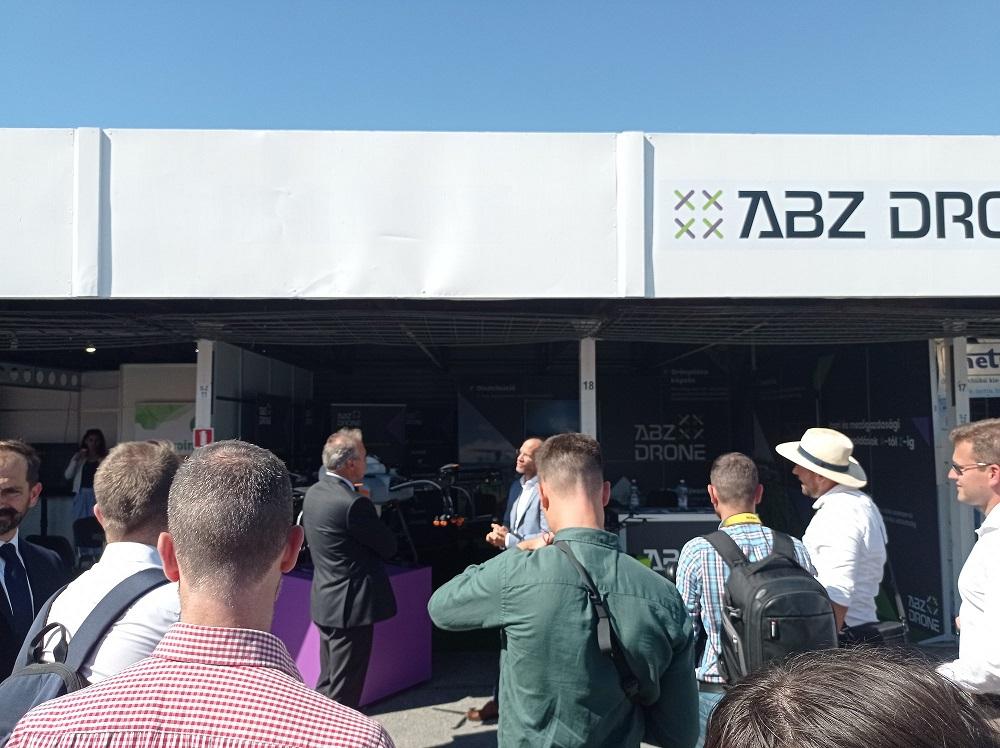 miniszteri látogatás az ABZ Drone standon