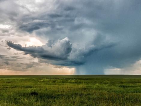 Időjárás: Riaszt a meteorológia! Hatalmas felhőszakadások jöhetnek