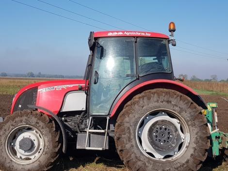 Zetor traktorra került az Agroinform.hu matrica, íme a nyertes!
