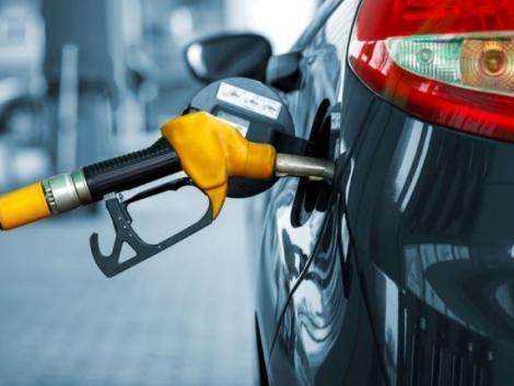 A héten történelmi csúcsra ugrik a benzin ára!