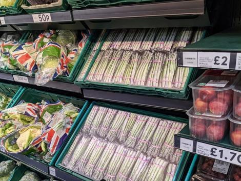 Nem jut el a boltig a zöldség Angliában, fotókat raknak ki helyettük