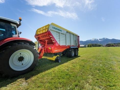 Új, nagy teljesítményű silózó pótkocsi a Pöttingertől