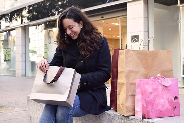 Nő vásárol