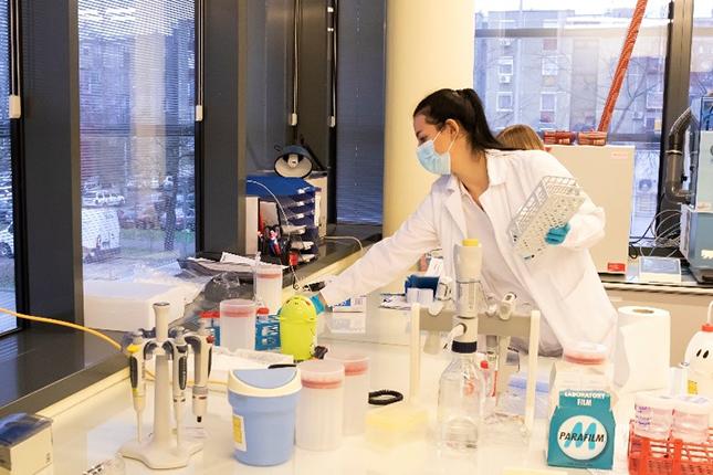 élelmiszer-bevizsgáló laboratórium
