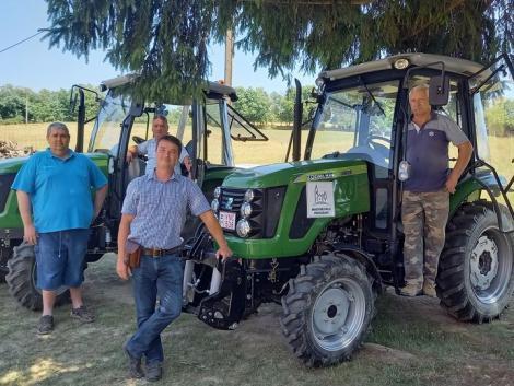 Önkormányzati mindenes traktorok: kaszálnak, gyümölcsöst ápolnak, tüzifát hordanak!