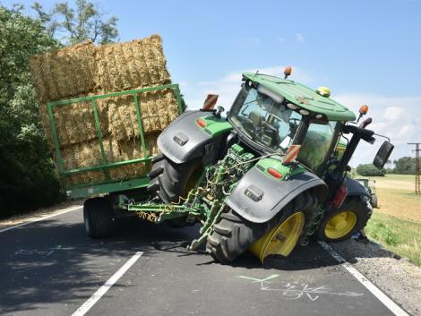 S.O.S. Keressük a John Deere traktor balesetét okozó kamionost! – Képek