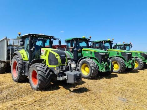 Ezeket a traktorokat vitték most a magyar gazdák