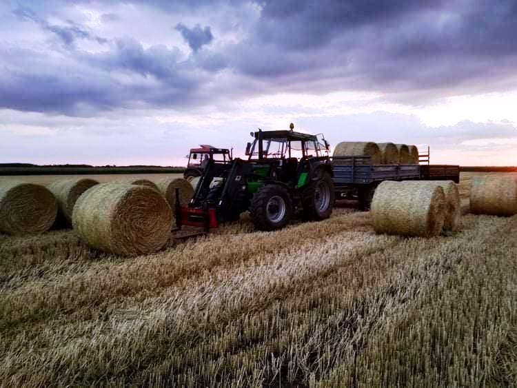 traktoros munka